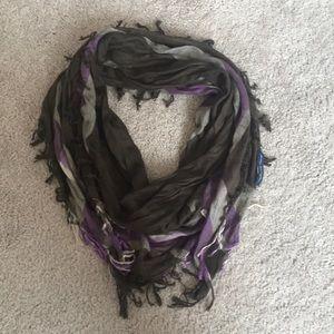 Lightweight American Eagle plaid scarf w/ fringe